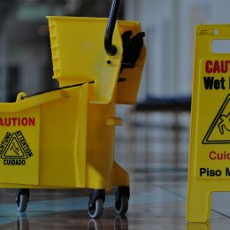 7 Tips To Land More Cleaning Contracts Using the Power of the Web